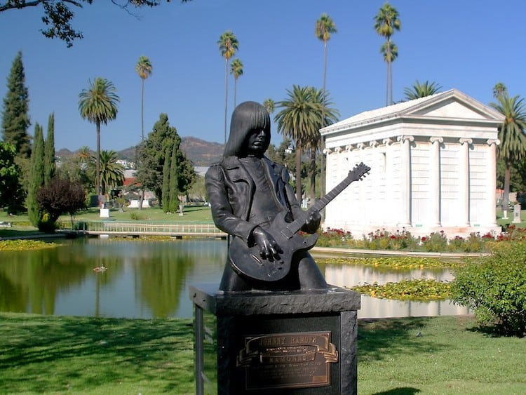 hollywood forever cemetery los angeles