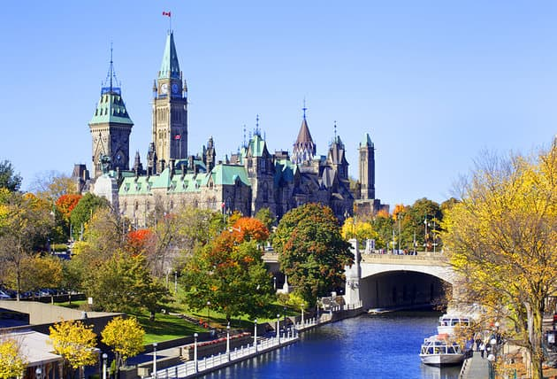 The Parliament e il Rideau Canal